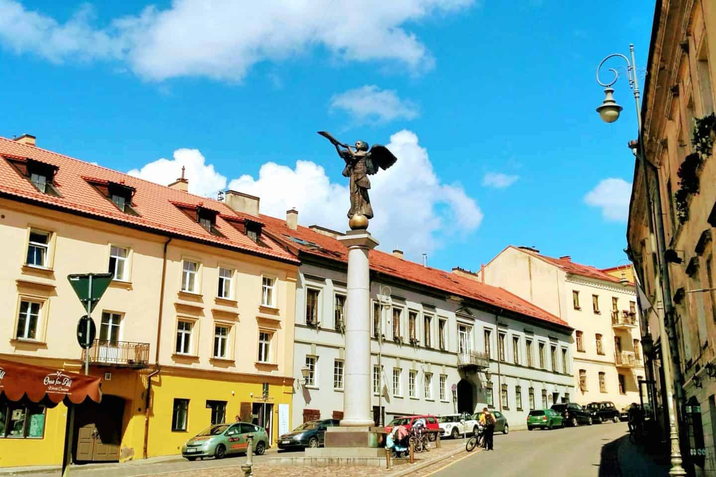 angel of uzupis in vilnius