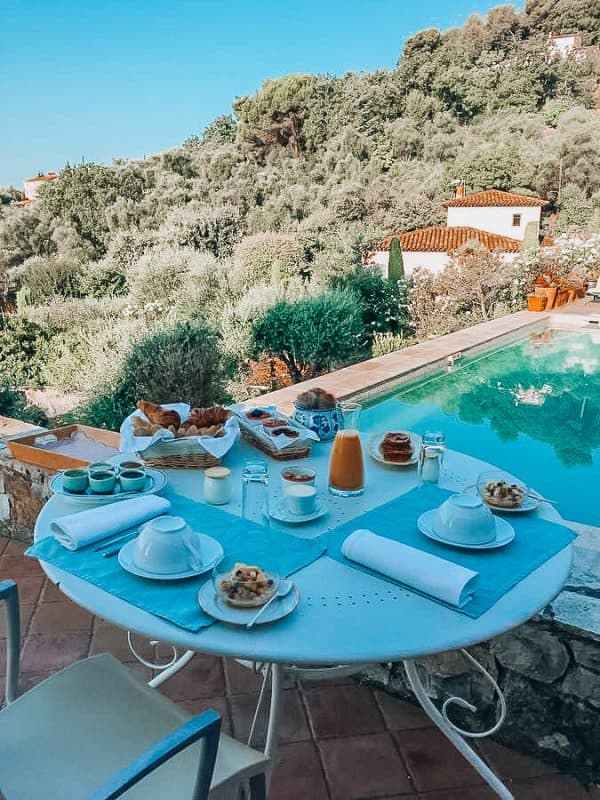 hotels with heated pool provence france